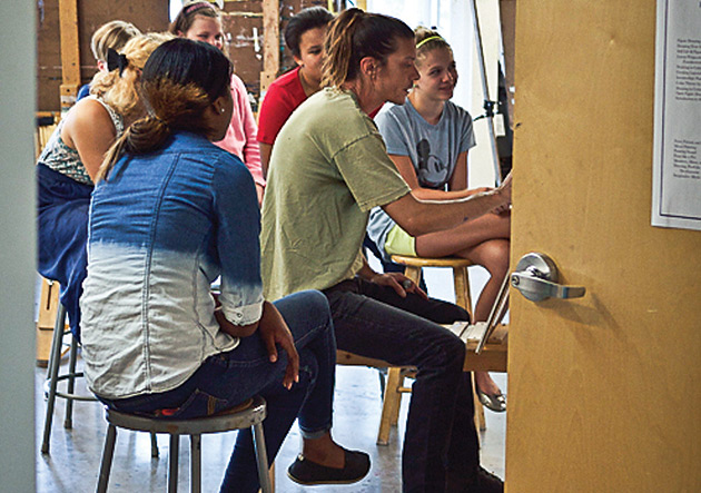 Tommy Van Auken teaches an Art League class